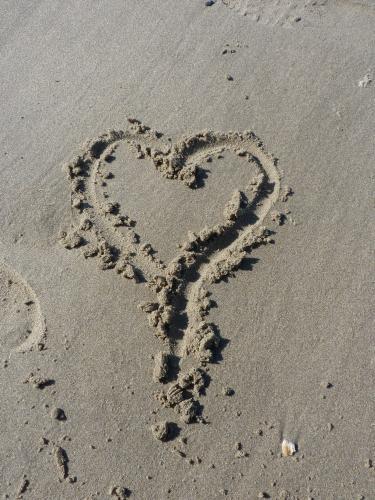 Le sable, un lieu pour s'exprimer de manière éphémère